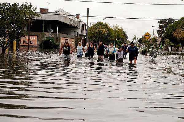 BA 100 - argentina-inundacion