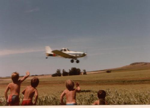 BA 209 - Saludar aviones